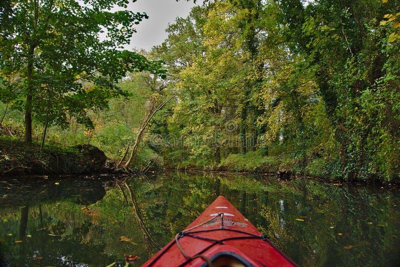 在水的一个独木舟 库存图片