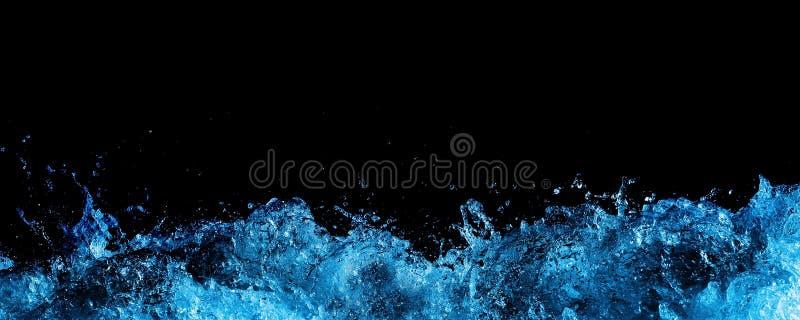 在水的黑色泡沫 库存图片