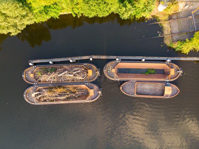 在汉堡运河的木小船  免版税图库摄影
