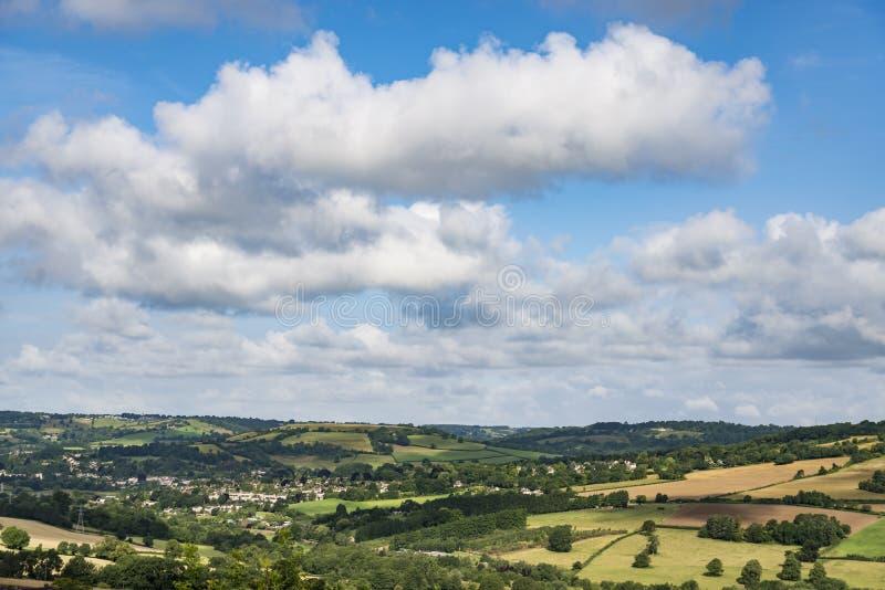 在汉普郡威尔特郡边界的风景场面 库存照片
