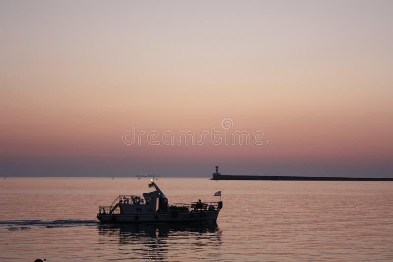 在江边的晚上 图库摄影