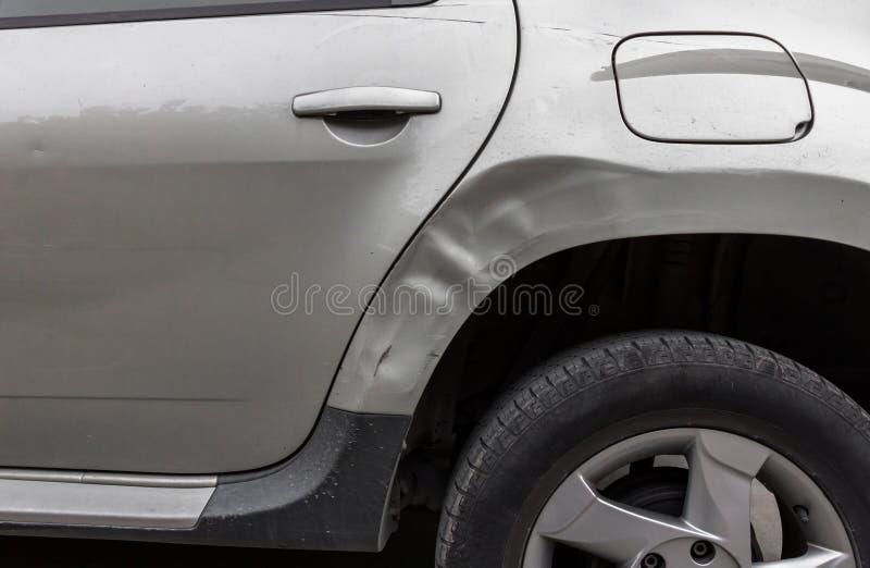 在汽车一边的事故 免版税库存图片