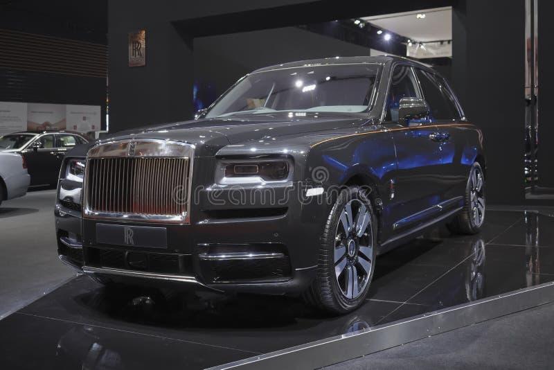 在汽车展示会的劳斯莱斯新的卡利南豪华汽车2019年 免版税库存图片