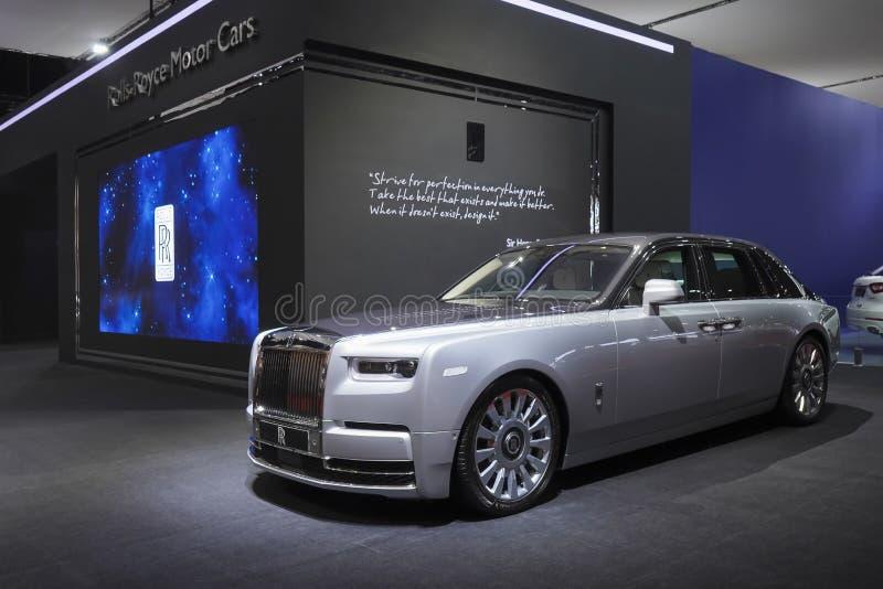 在汽车展示会的劳斯莱斯新的幽灵豪华汽车2019年 免版税库存图片
