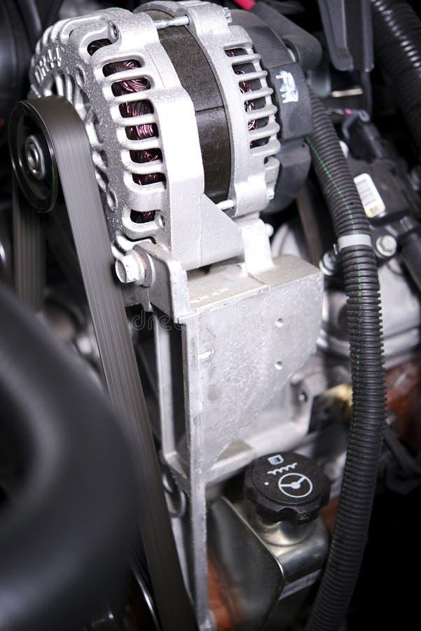 在汽车的交流发电机元素 免版税库存照片