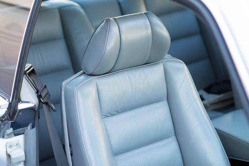 在汽车的皮革位子 库存图片