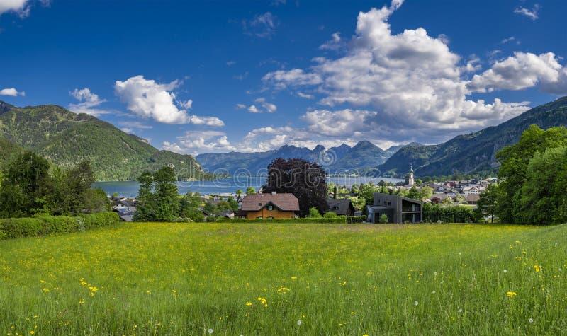 在沃尔夫冈湖,萨尔茨卡默古特,奥地利的St Gilgen 免版税库存照片