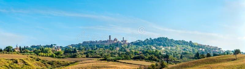在沃尔泰拉镇的全景在托斯卡纳,意大利 免版税图库摄影