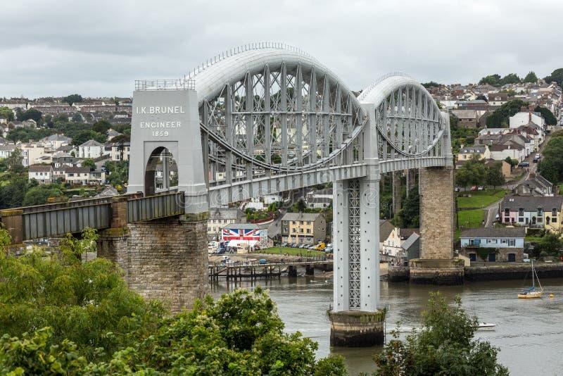 在河它玛,康沃尔郡的布鲁内尔的皇家阿尔伯特桥梁 免版税库存照片