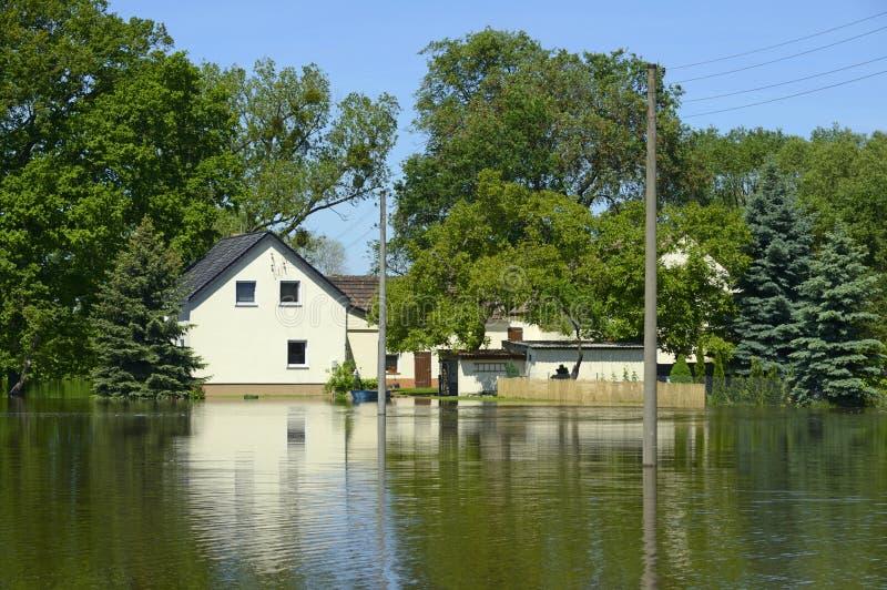 在河易北河,德国的洪水2013年 免版税库存照片