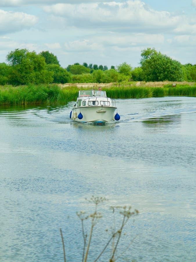 在河的划船 免版税库存图片