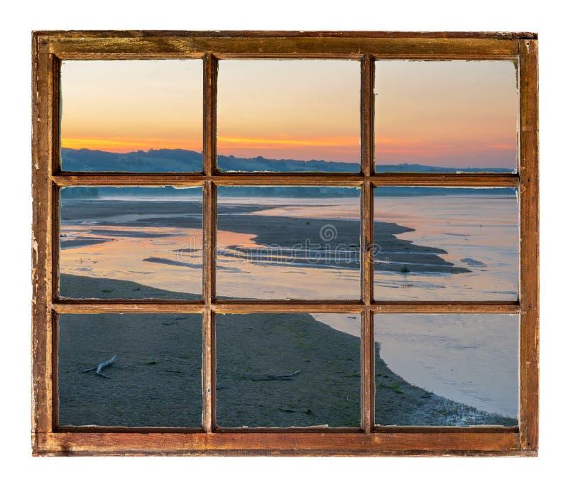 在河的日出在内布拉斯加Sandhills 免版税库存照片