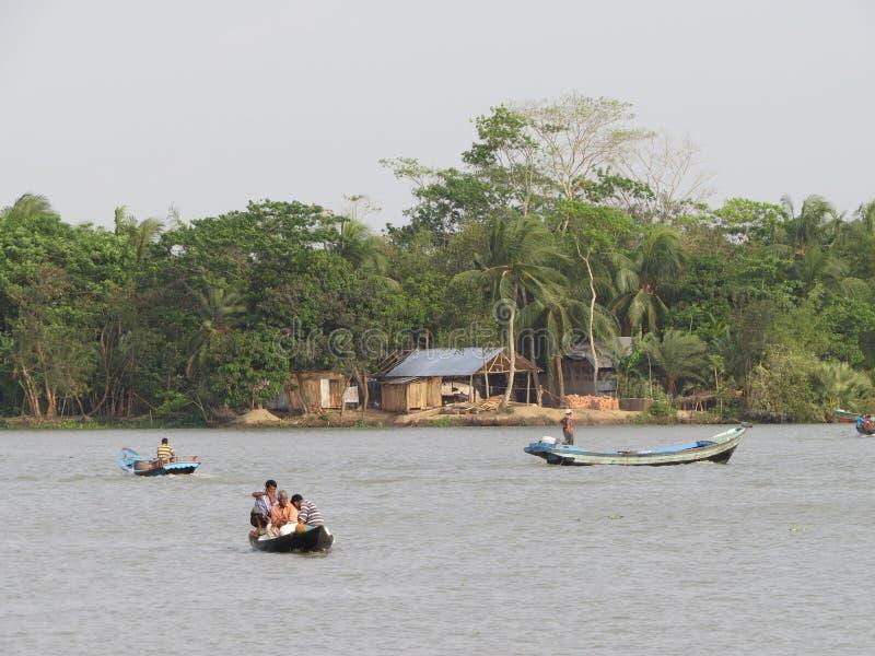 在河的日常生活, Barishal,孟加拉国 免版税图库摄影
