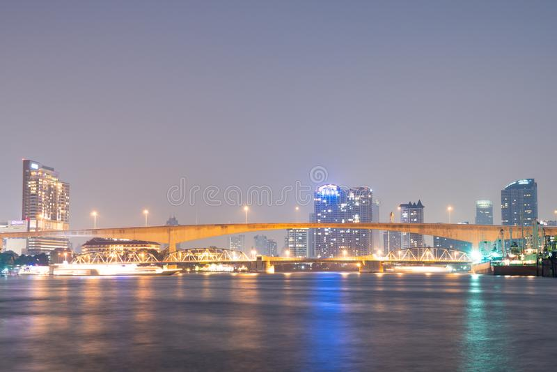 在河的桥梁在曼谷市 库存图片