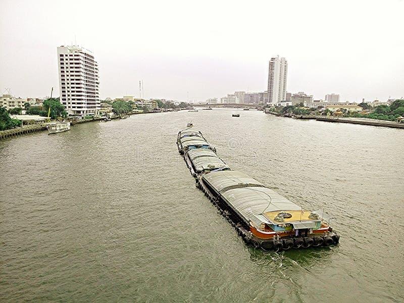在河的运输在泰国 免版税库存图片