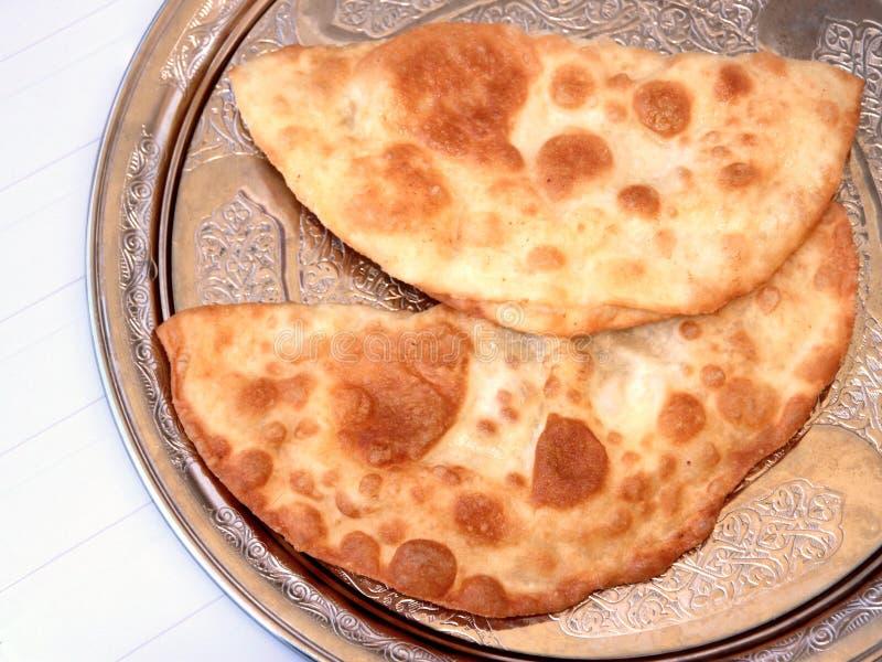 在油油煎的土耳其乳酪饼(香烟borek) 库存照片