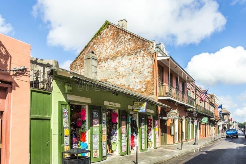 在法国街区的历史建筑在新奥尔良. 殖民地, 门面.