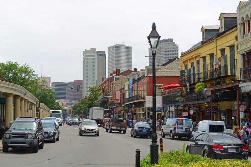 在法国街区,新奥尔良的迪凯特街 免版税库存图片