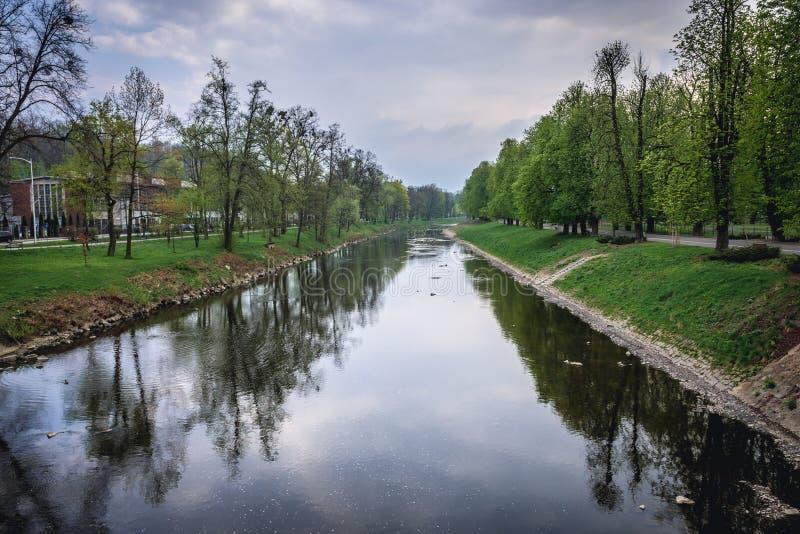 在波兰和捷克之间的Olsa河 库存图片