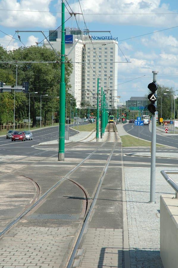 在波兹南,波兰调整在Matyi街道上的轨道 免版税库存图片