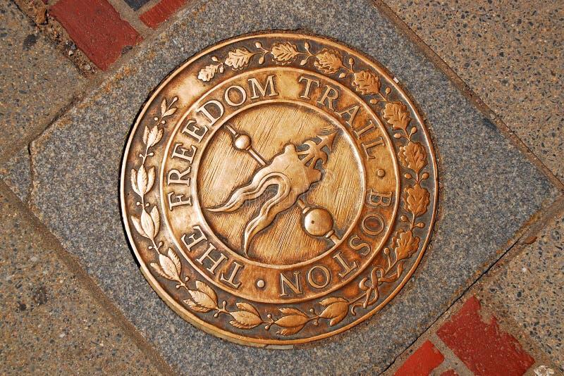 在波士顿的自由足迹的一个标志 免版税库存图片