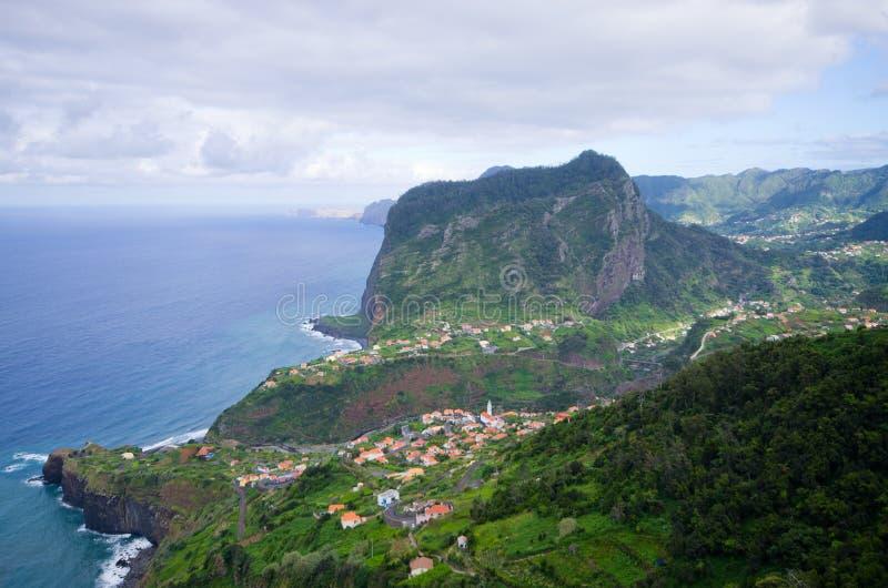 在波尔图da Cruz,马德拉岛海岛,葡萄牙附近支持 库存图片