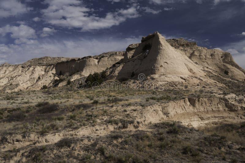 在波尼族印第安国民草原的尖顶小山 库存图片