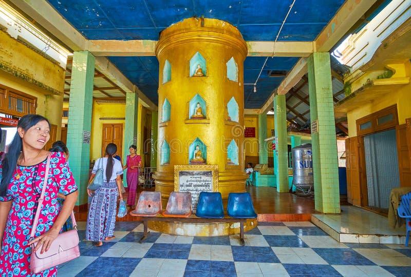 在波帕岛塔翁Kalat修道院寺庙,缅甸 免版税库存图片