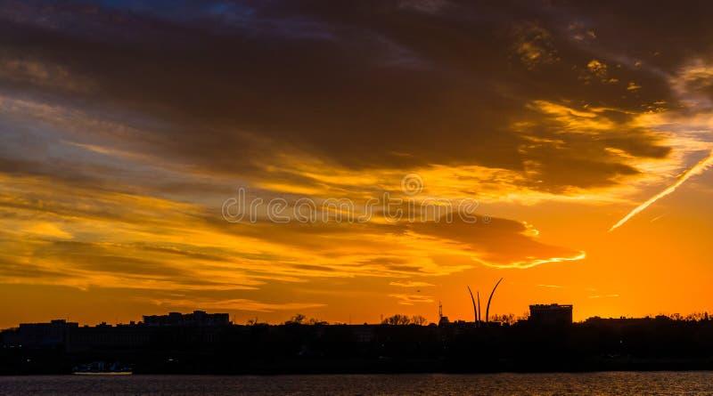在波托马克河的日落在华盛顿特区, 图库摄影