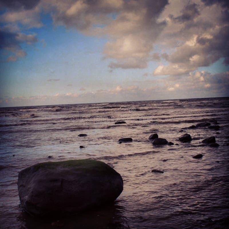 在波浪的断裂 库存照片