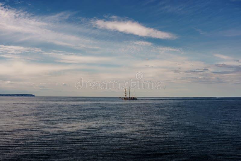 在波罗的海的大帆船 美好的海景在夏天 免版税库存图片