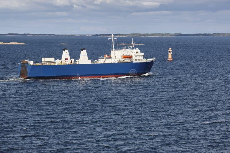 在波罗的海的货船 奥兰群岛 芬兰 库存照片