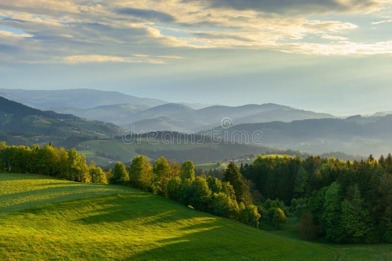 在波霍尔耶山脉山的早晨视图 库存照片