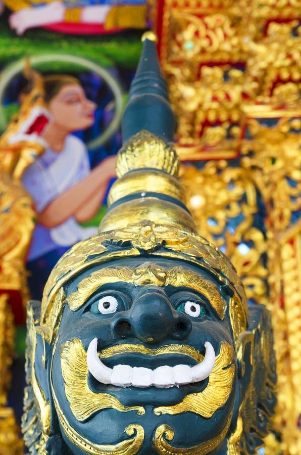 在泰国寺庙的大雕象 库存照片