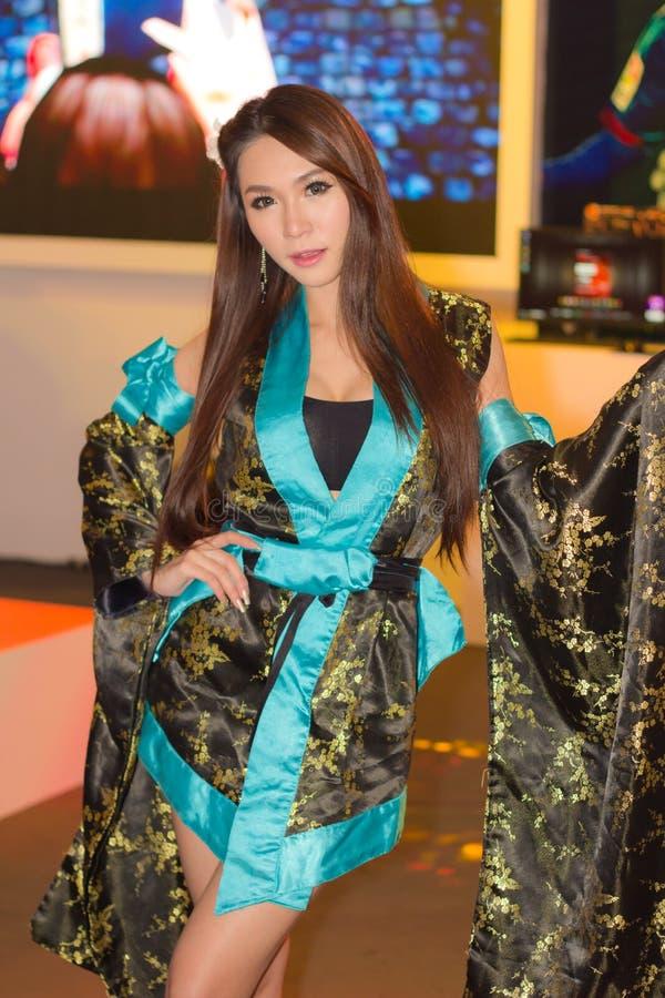 在泰国比赛Sho的一个未认出的日本芳香树脂cosplay姿势 库存照片