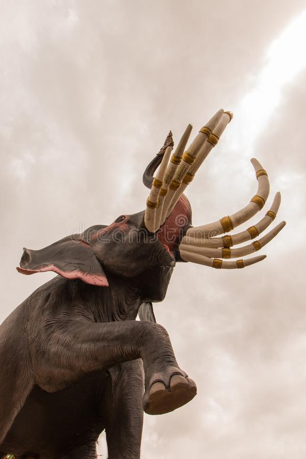 在泰国的文学的大象雕象 库存图片