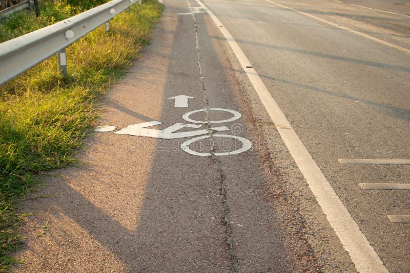 在泰国的早晨 路自行车旋转在泰国 免版税库存照片