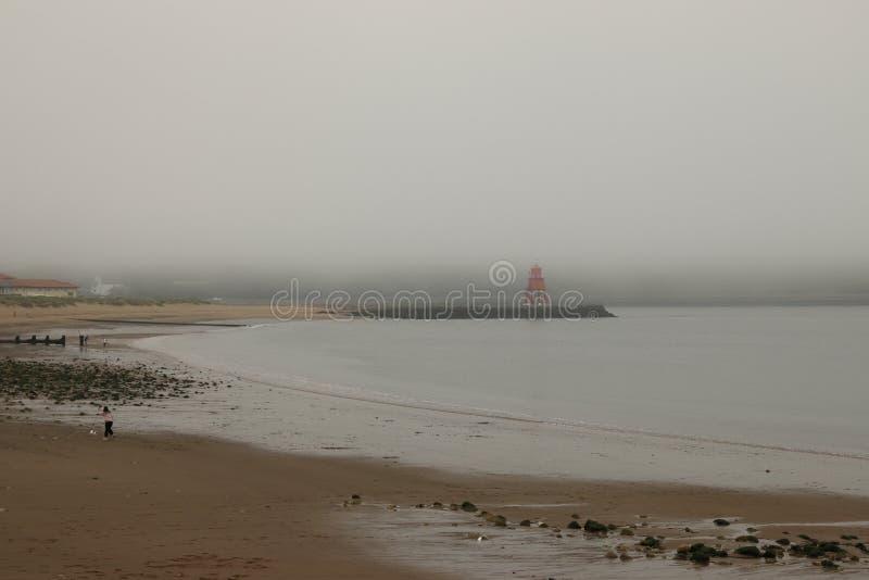 在泰恩河的雾 免版税库存图片
