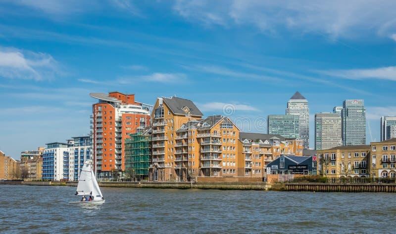 在泰晤士河的风船 图库摄影