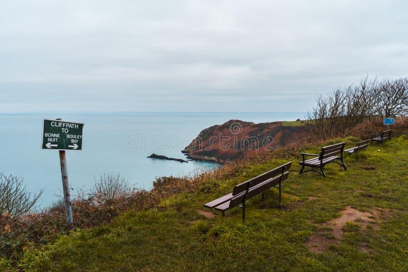 在泽西的海岛上的峭壁在英吉利海峡 免版税库存图片