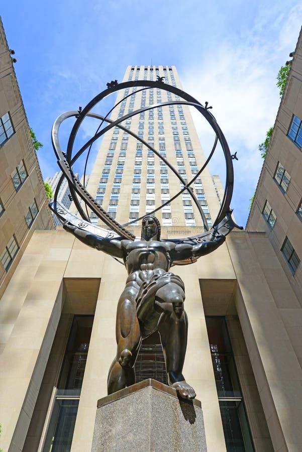 在洛克菲勒中心的地图集雕象,曼哈顿, NY,美国 库存图片