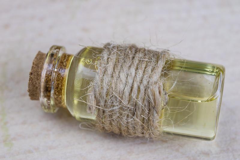 在流行性感冒期间的医治用的糖浆 医药ingredi特异性  库存照片