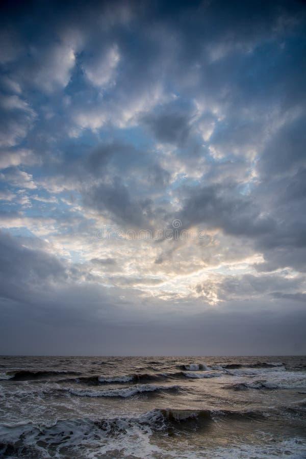 在海上的Cloudscape 库存图片