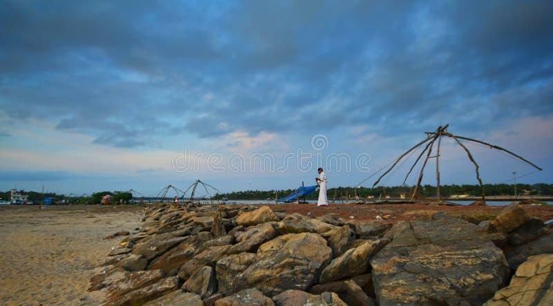 在海岸的中国捕鱼网 免版税库存照片