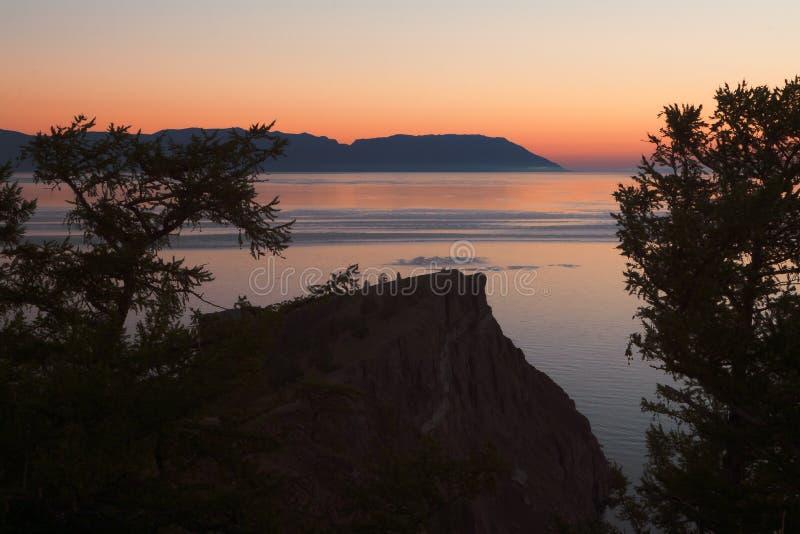 在海岸的日落 免版税库存图片