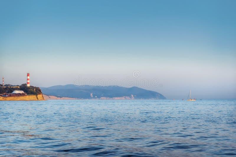 在海岸的灯塔 库存照片