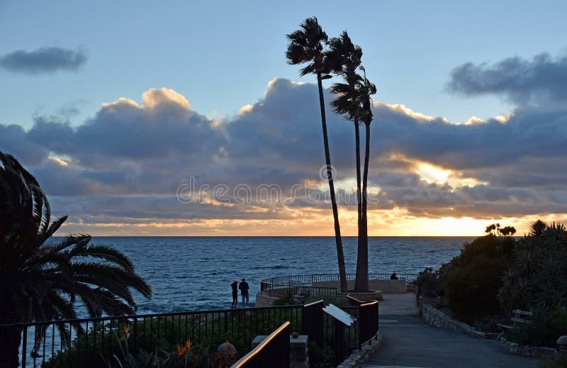在海斯勒公园的日落拉古纳海滩的,加利福尼亚 免版税库存照片