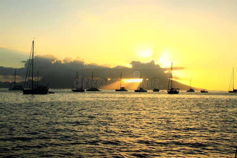 在海湾的日落 库存图片