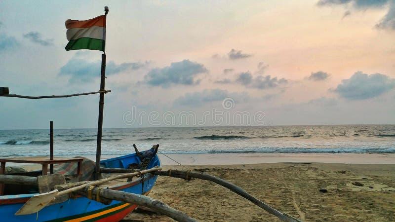 在海滨的印度渔船 库存图片