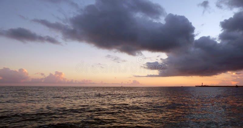 在海滨的日落 库存照片